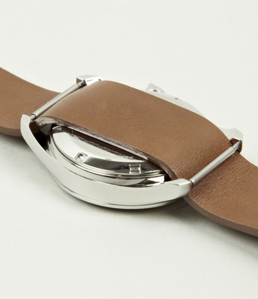 miansai-m1-tan-leather-strap-watch-05