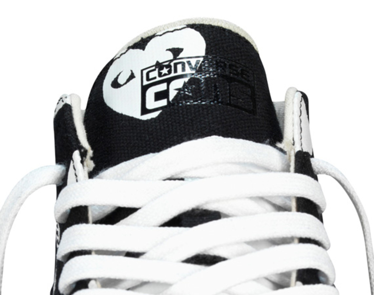 comme-des-garcons-play-x-converse-pro-leather-hi-12