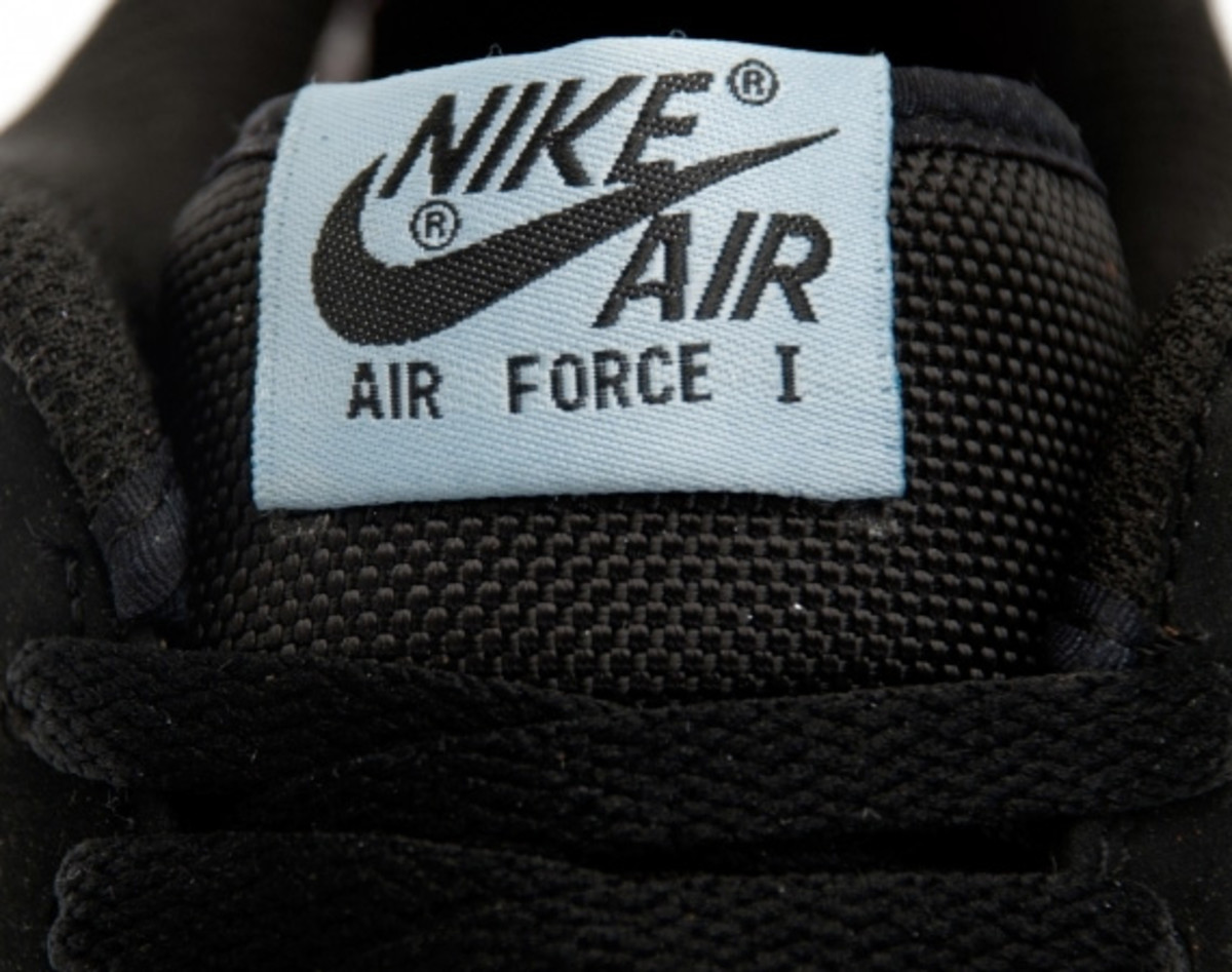 nike-air-force-1-foamposite-low-pewter-03