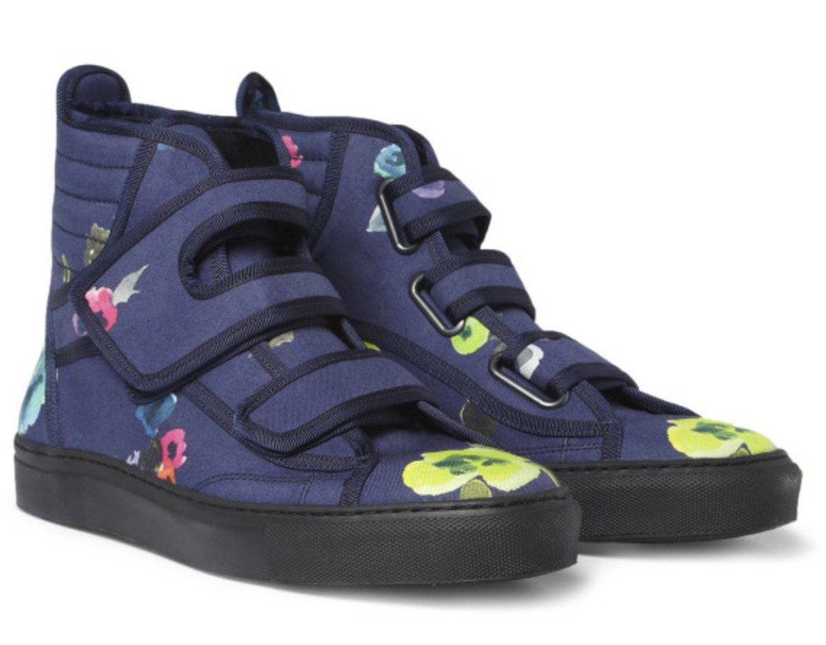 raf-simons-mr-porter-exclusive-flower-print-high-top-sneakers-07