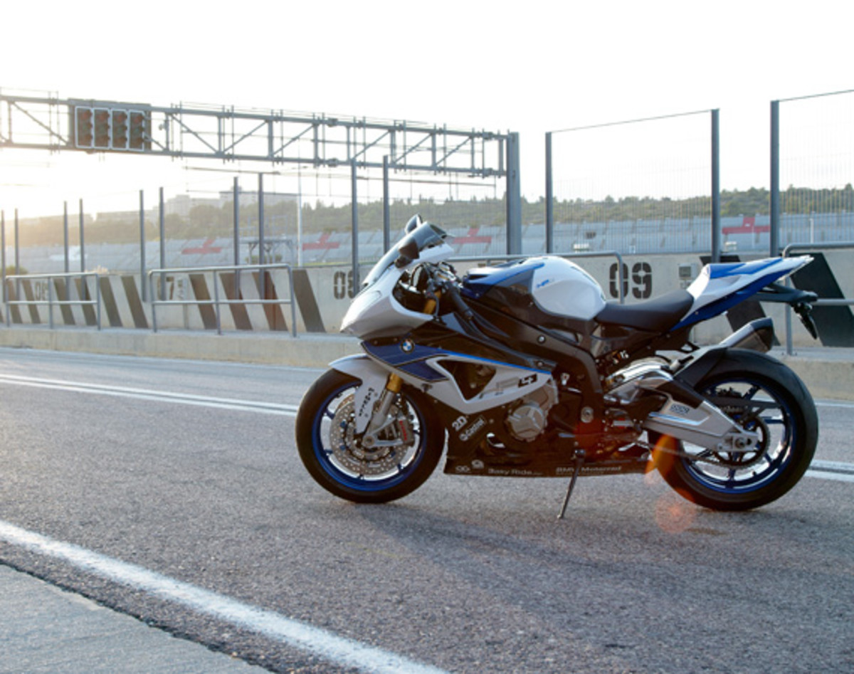 bmw-hp4-motorcycle-08