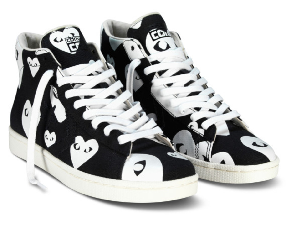 comme-des-garcons-play-x-converse-pro-leather-hi-08