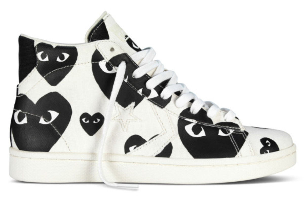 comme-des-garcons-play-x-converse-pro-leather-hi-03