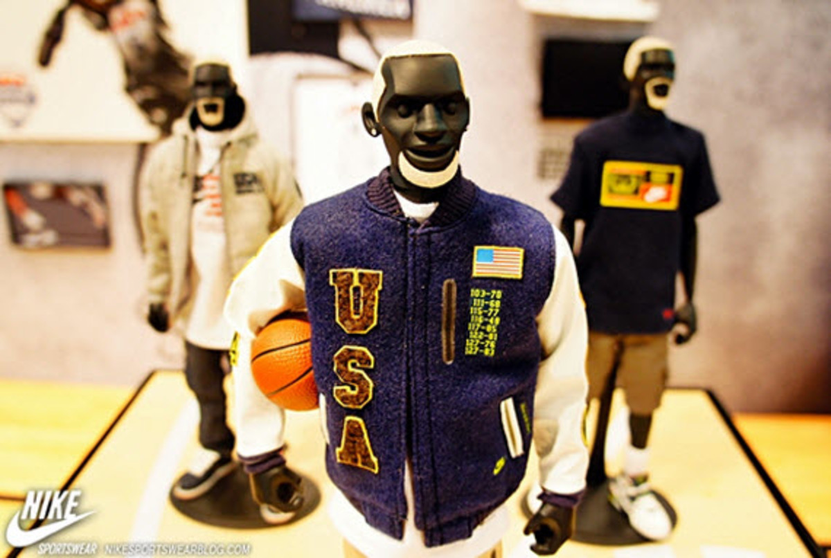nike-sportswear-x-coolrain-relive-the-dream-dream-team-figures-2