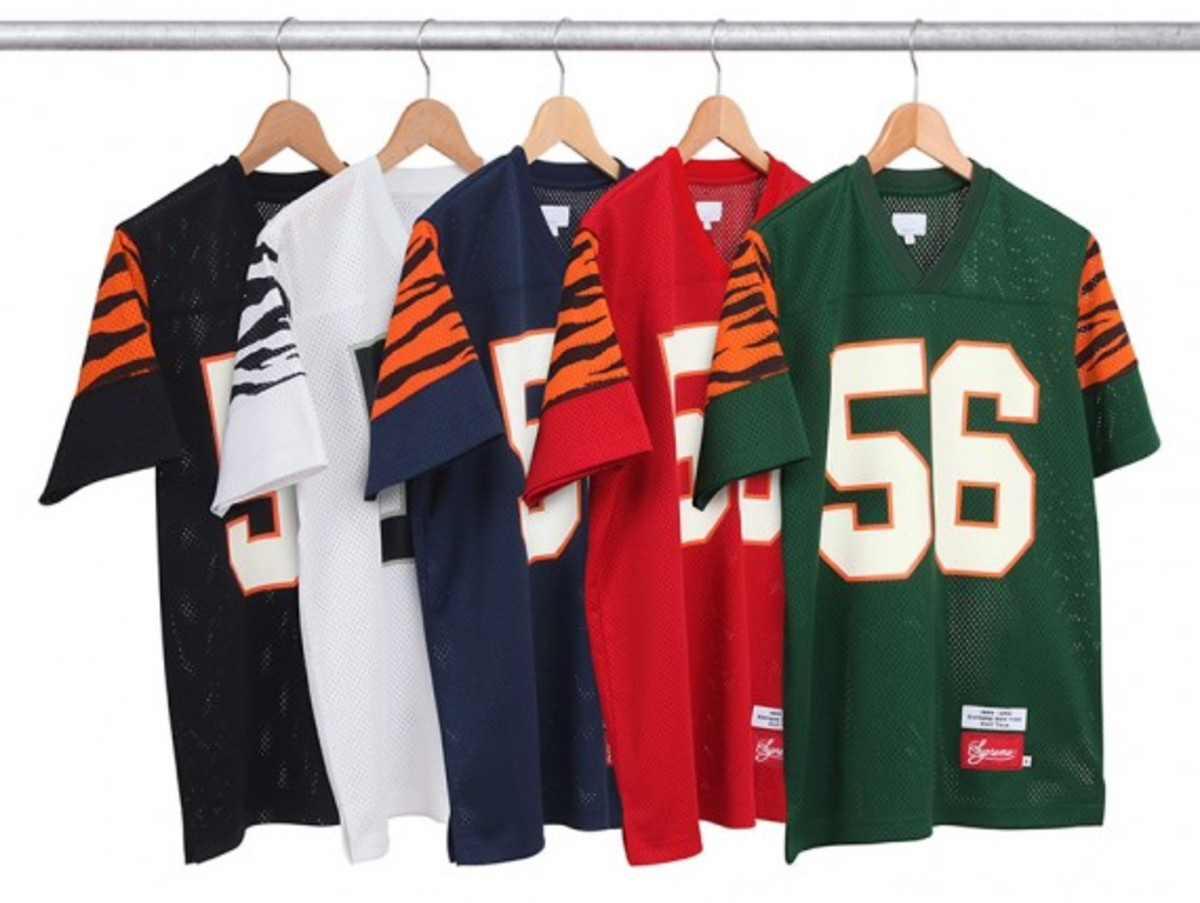 supreme-fall-winter-2012-apparel-25