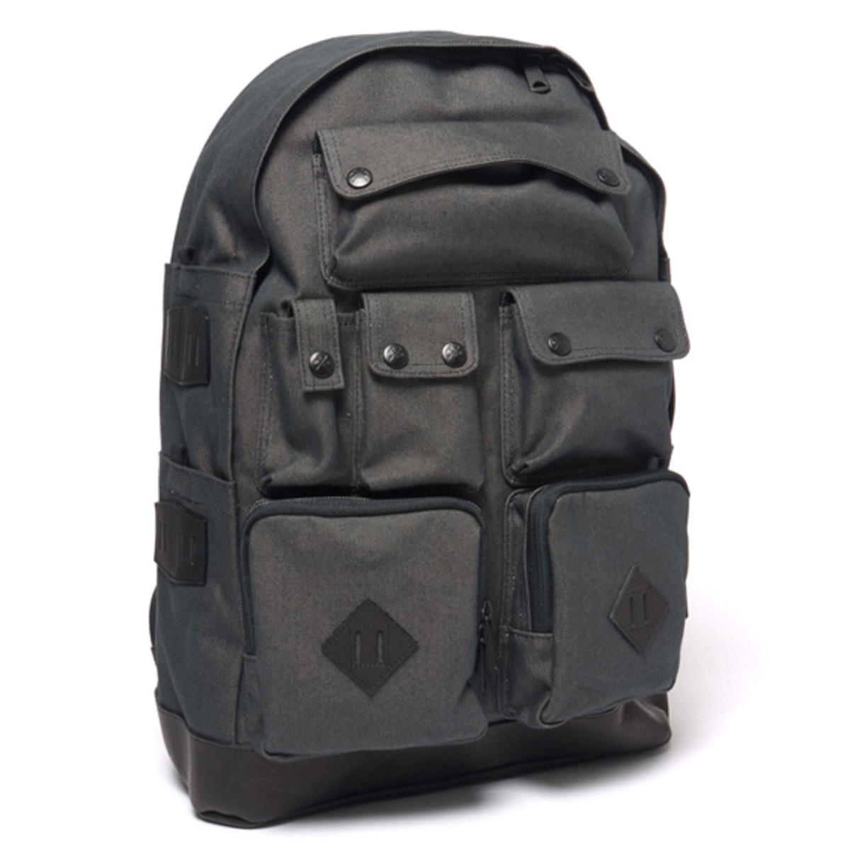 white-mountaineering-porter-ox-multi-pocket-daypack-02