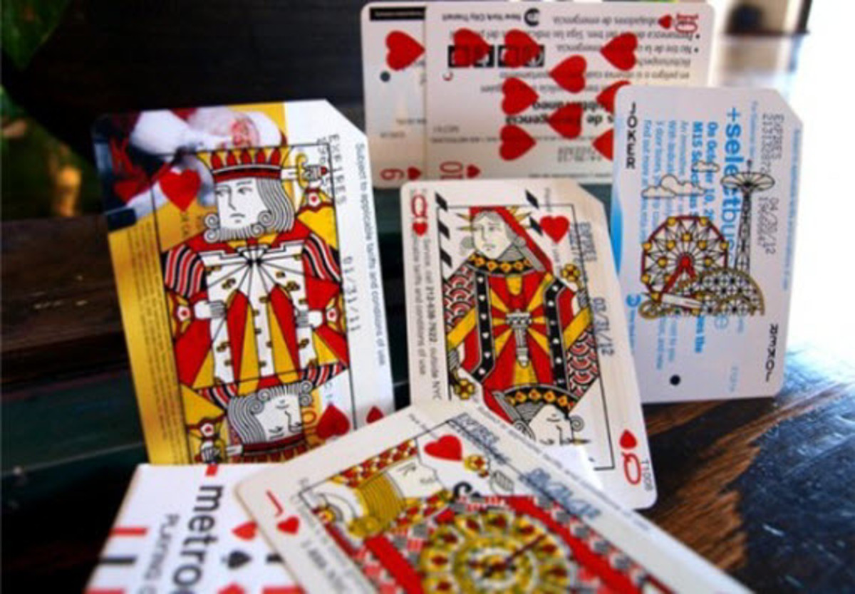 metrodeck-upcycled-playing-cards-using-old-nyc-metro-cards-8