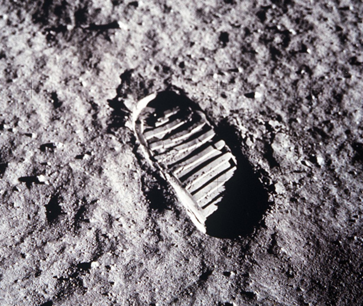 neil-armstrong-first-man-on-the-moon-apollo-11-08