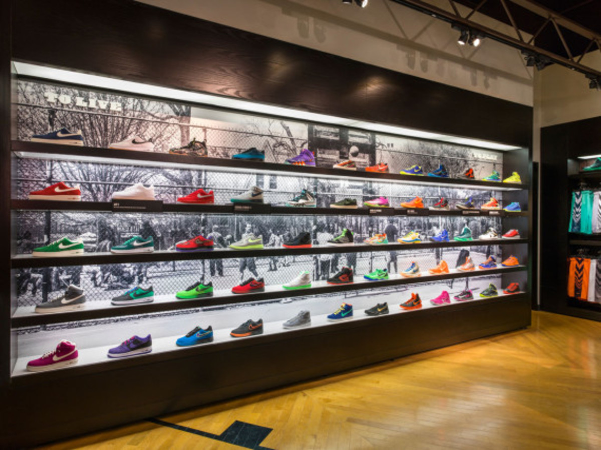 nike-and-foot-locker-house-of-hoops-brooklyn-05