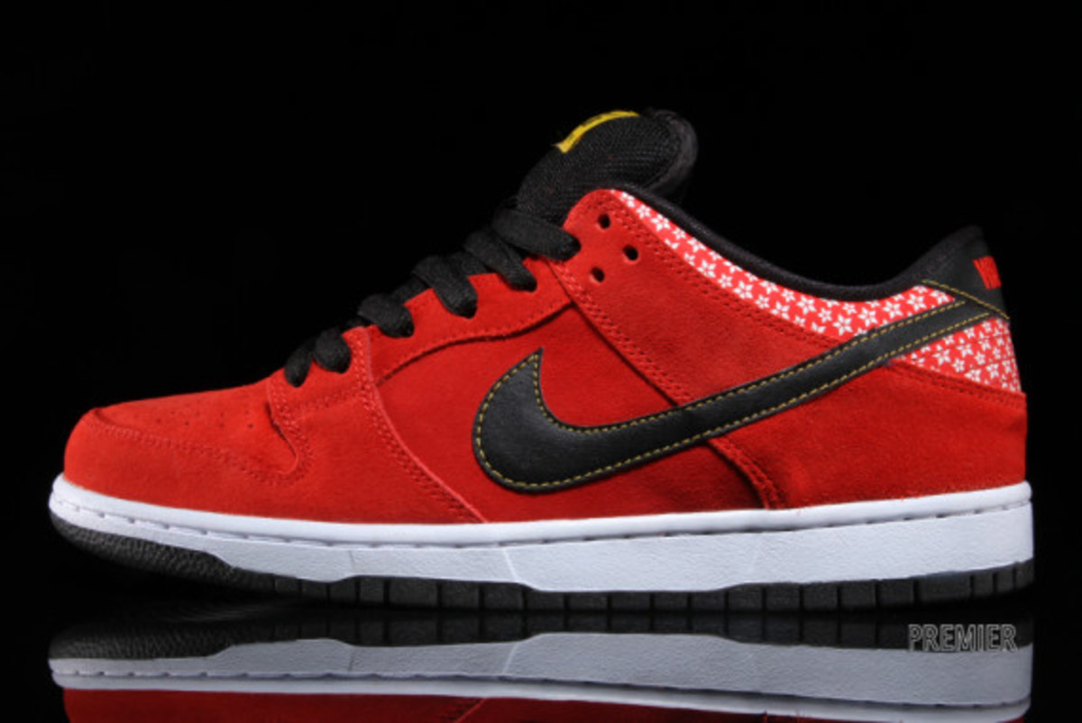 nike-sb-dunk-low-premium-qs-firecracker-pack-available-now-challenge-red-01