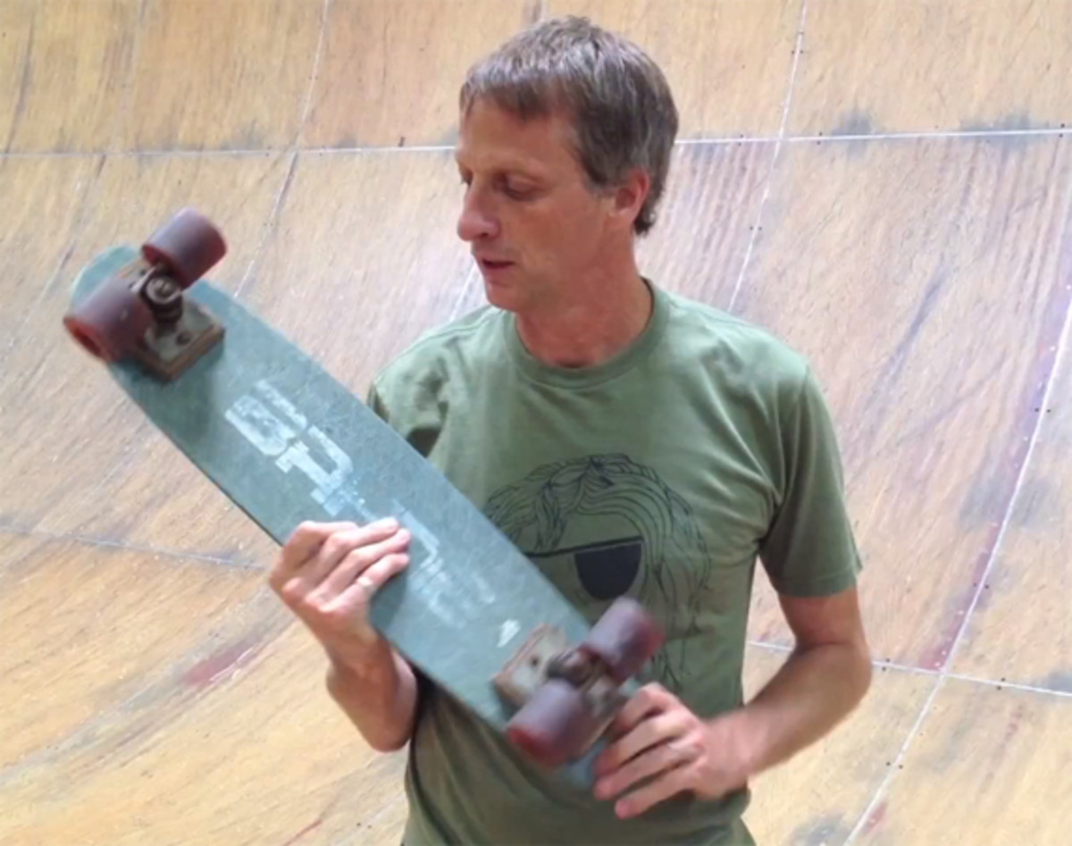 tony-hawk-final-ride-on-his-first-skateboard
