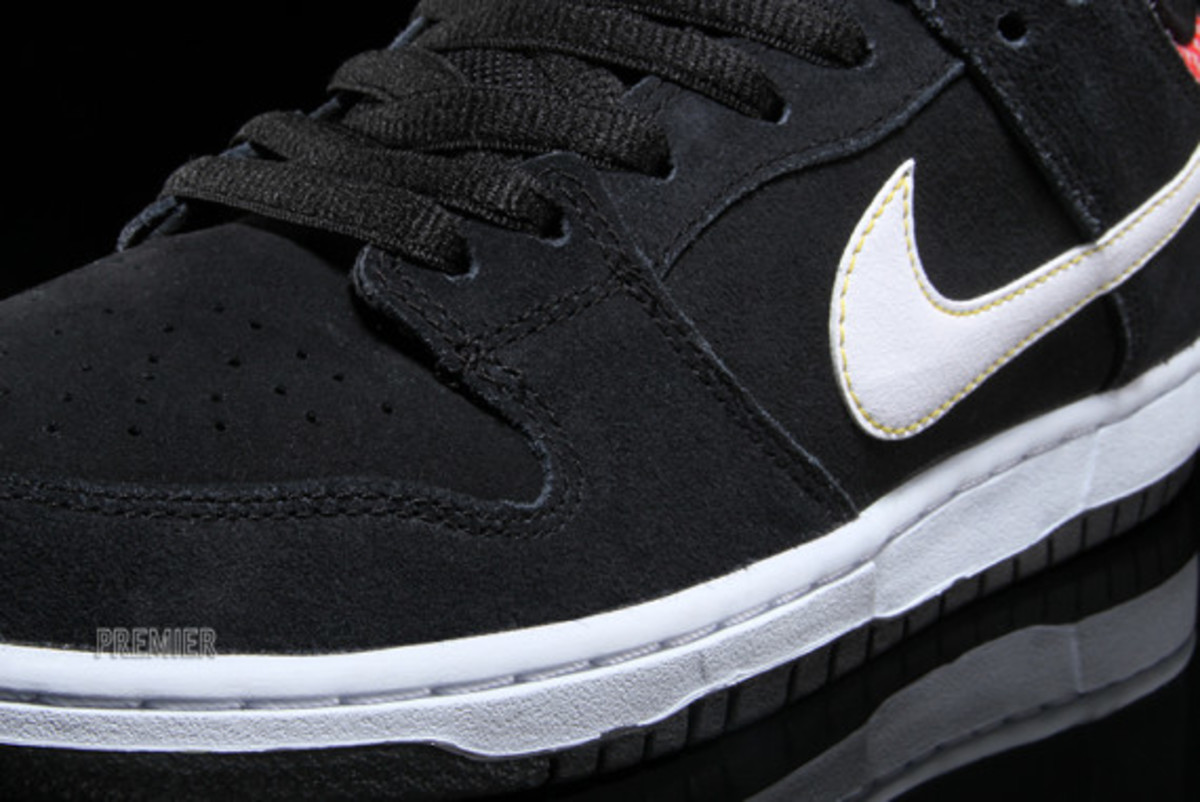 nike-sb-dunk-low-premium-qs-firecracker-pack-available-now-black-04