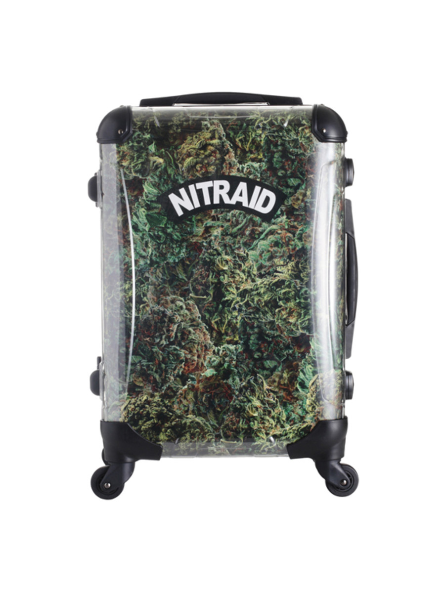 nitraid-dope-forest-luggage-01