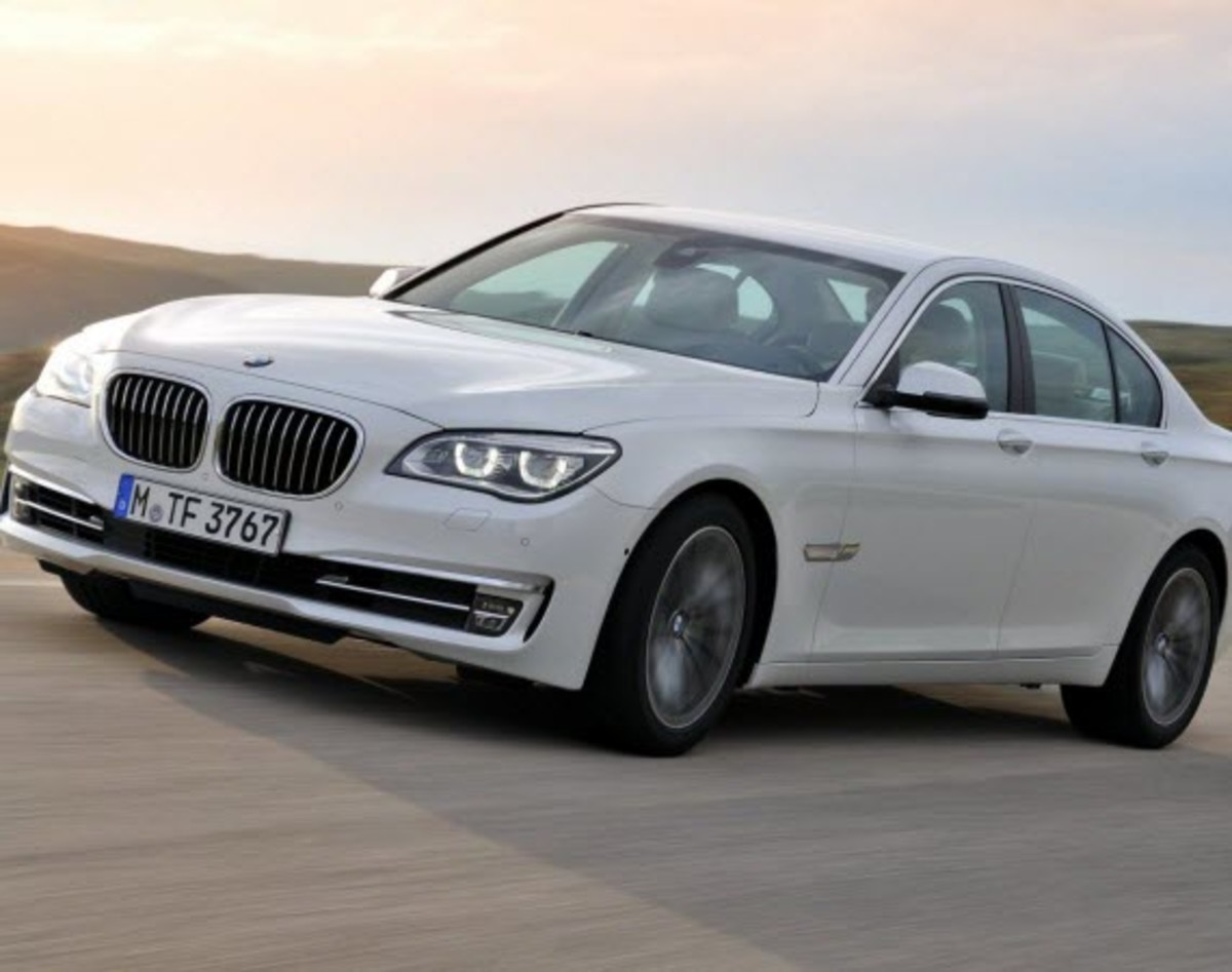 2013-bmw-760li-v12-25th-anniversary-edition-1