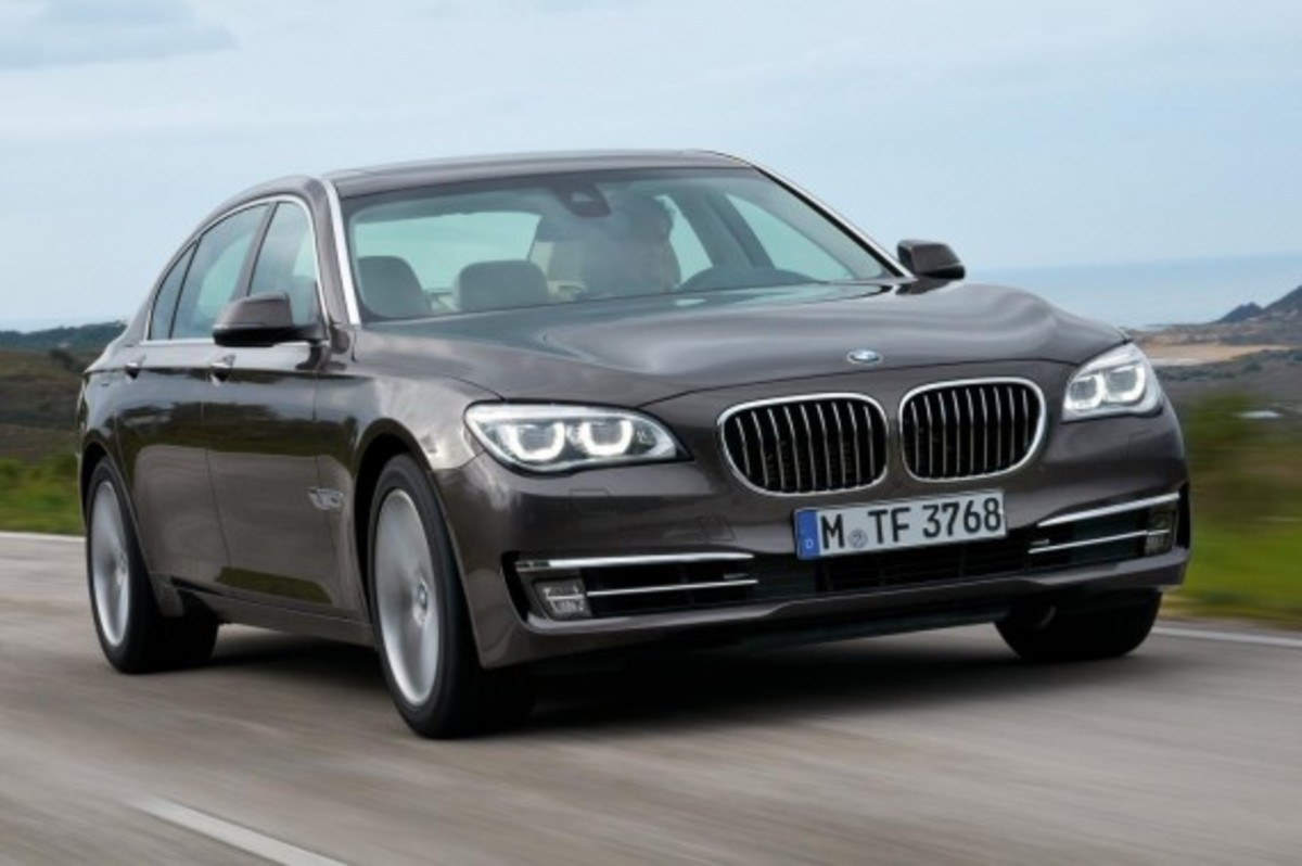 2013-bmw-760li-v12-25th-anniversary-edition-9