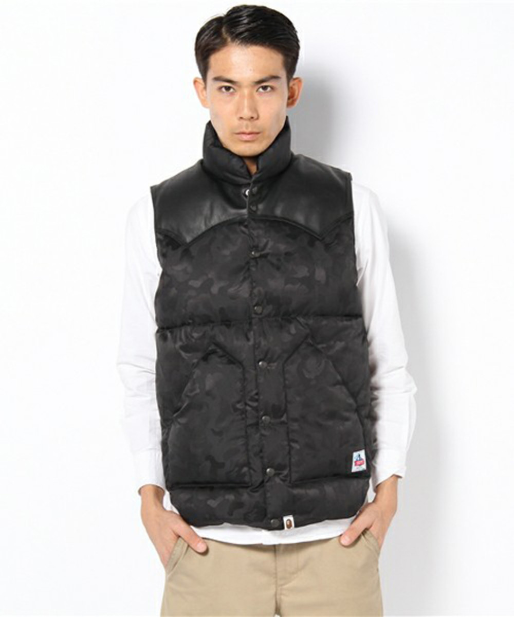 a-bathing-ape-rocky-mountain-featherbed-jacquard-abc-down-vest-02