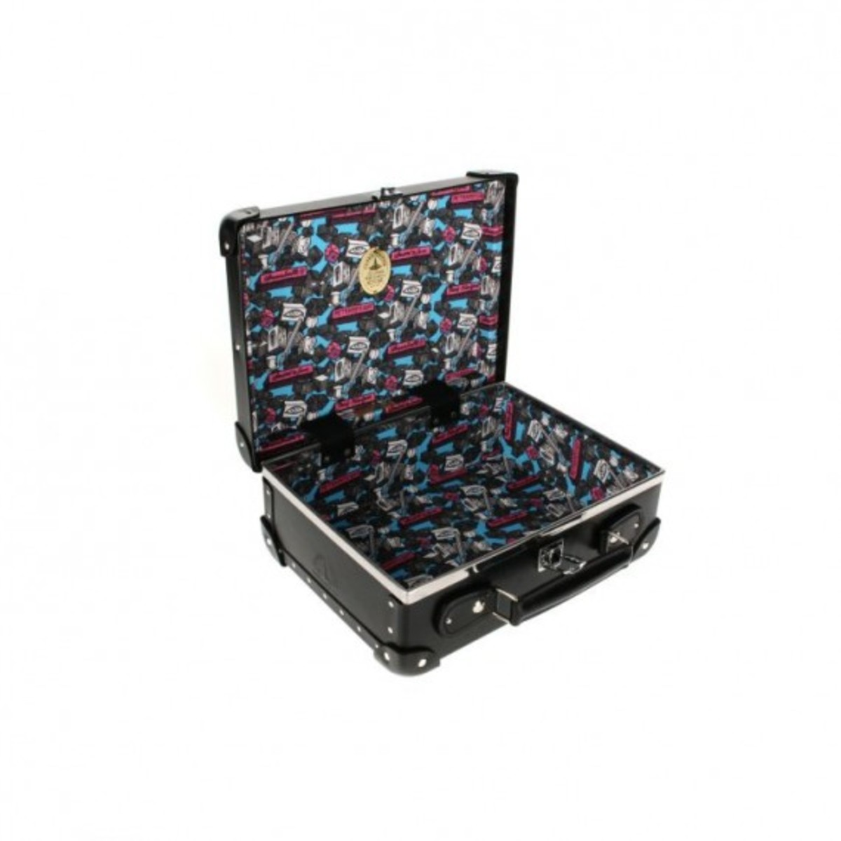 globe-trotter-x-andre-mr-a-luggage-collection-12