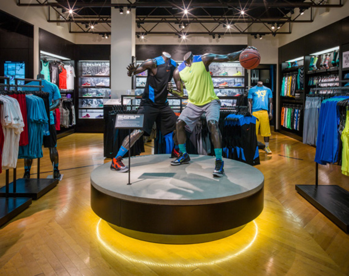 nike-and-foot-locker-house-of-hoops-brooklyn-01