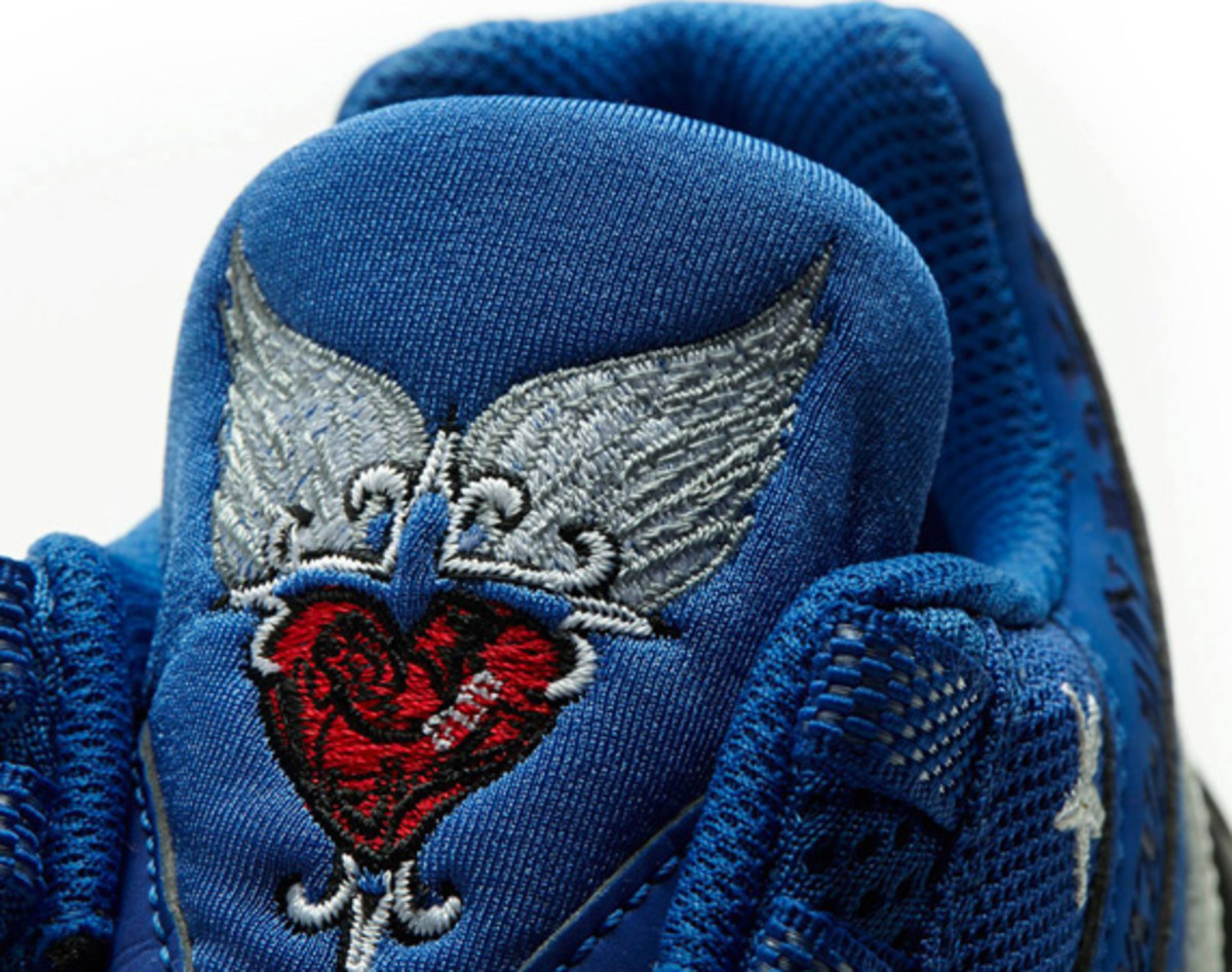 nike-doernbecher-2007-retro-air-max-95-by-mike-armstrong-01