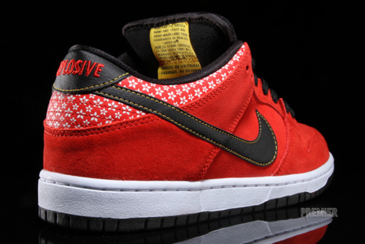 nike-sb-dunk-low-premium-qs-firecracker-pack-available-now-challenge-red-05