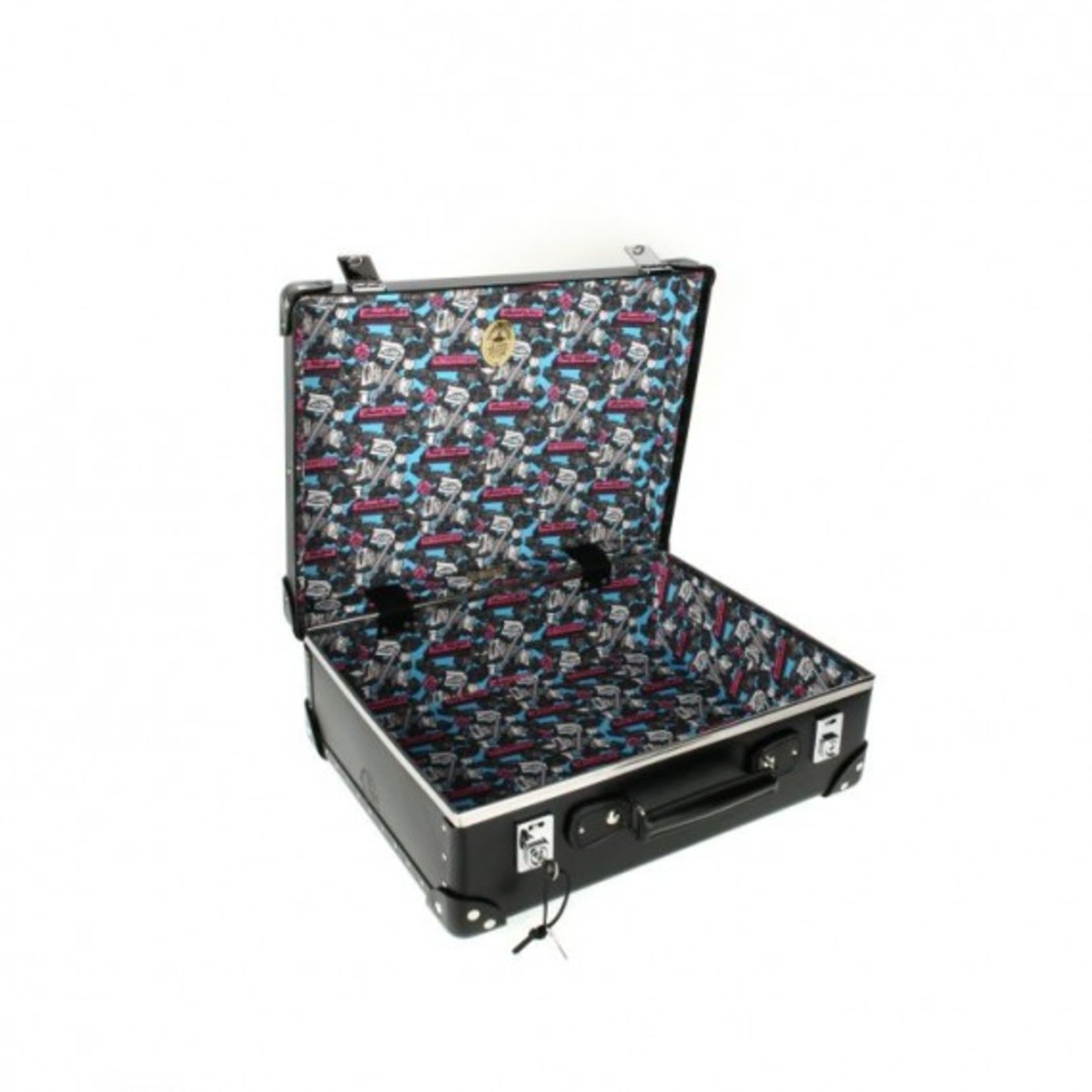 globe-trotter-x-andre-mr-a-luggage-collection-10