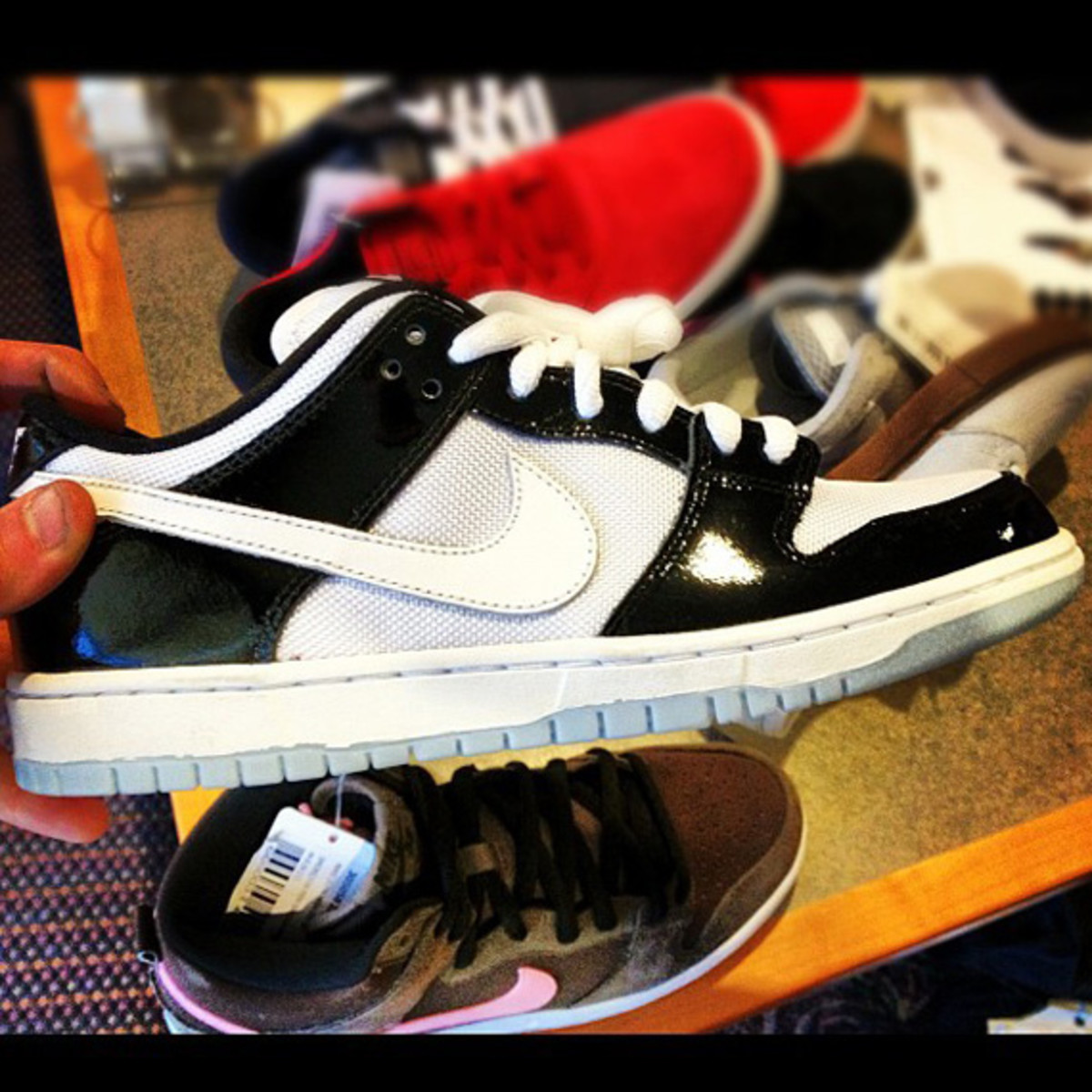 brooklyn-projects-nike-sb-dunk-low-air-jordan-XI-concord-02