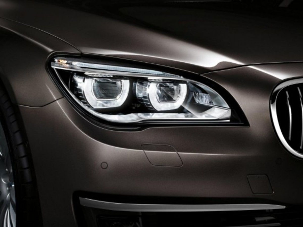 2013-bmw-760li-v12-25th-anniversary-edition-8