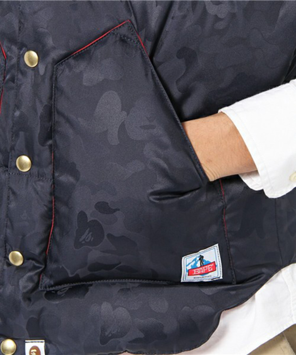 a-bathing-ape-rocky-mountain-featherbed-jacquard-abc-down-vest-08