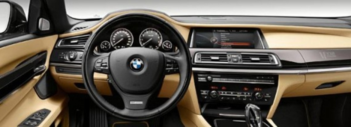 2013-bmw-760li-v12-25th-anniversary-edition-3