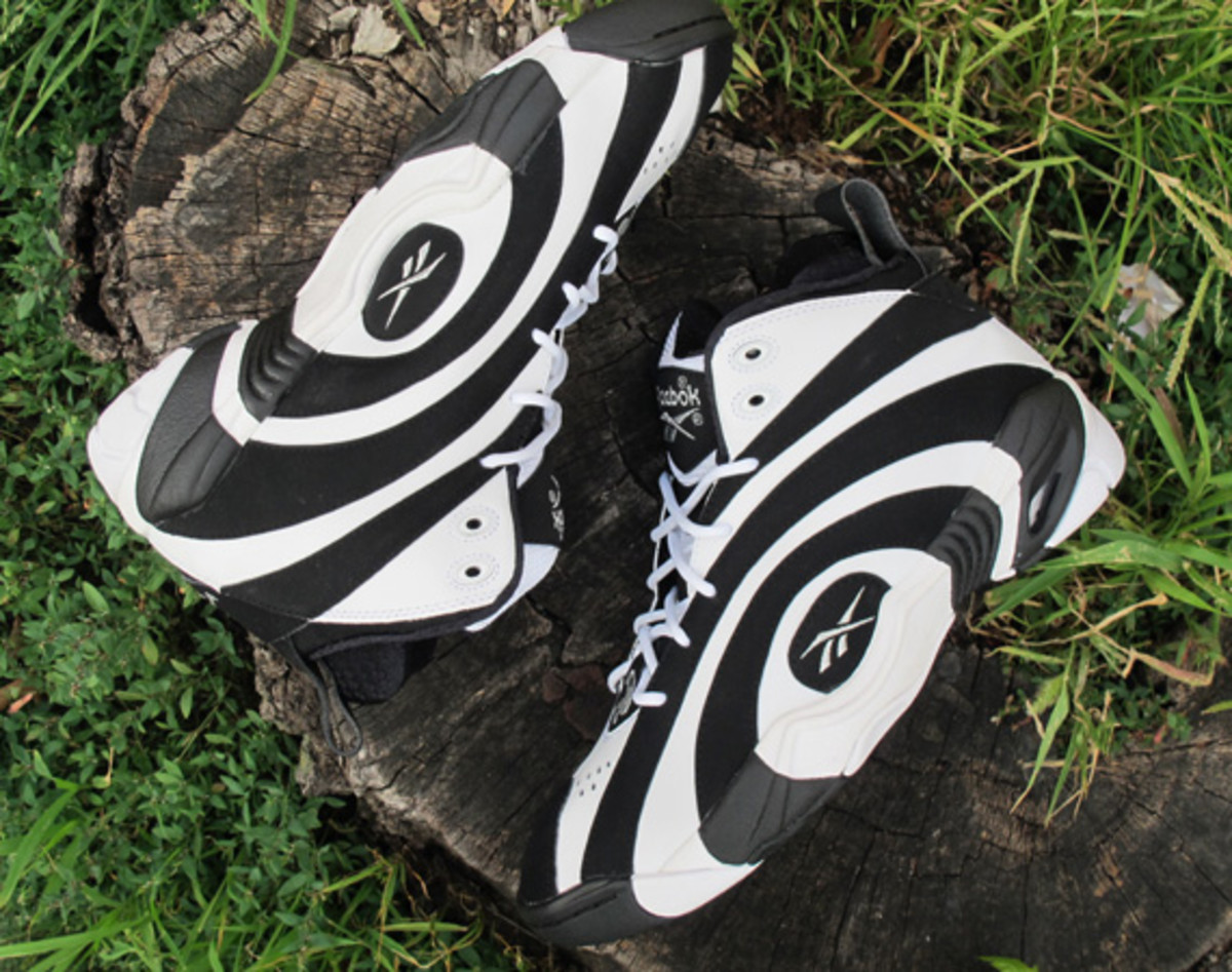 reeboq-shaqnosis-og-moes-sneaker-spot-early-release-event-01