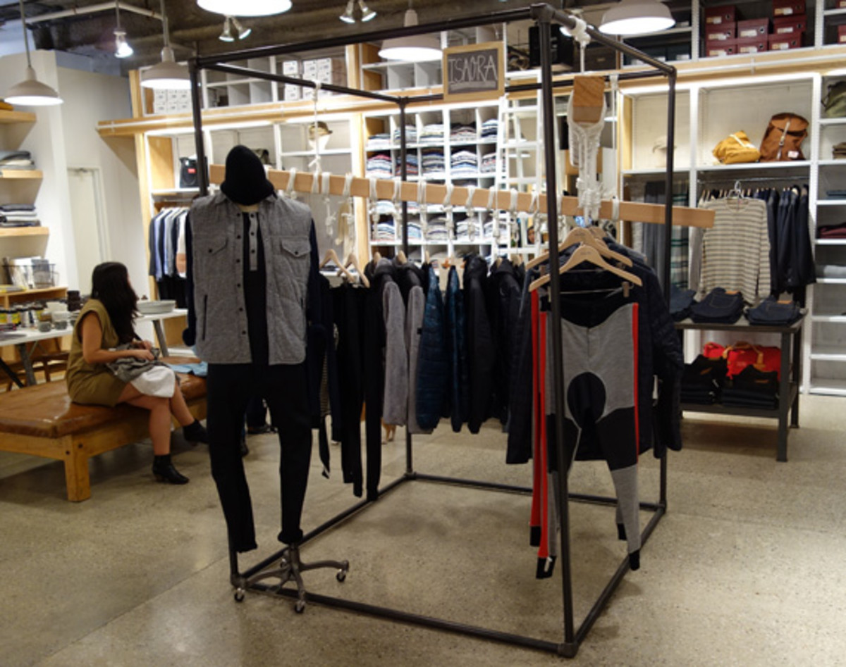isaora-pop-up-store-steven-alan-chelsea-nyc-11