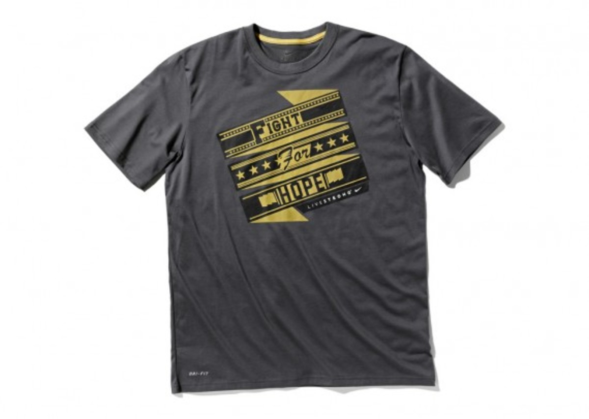 nike-livestrong-holiday-2012-collection-16