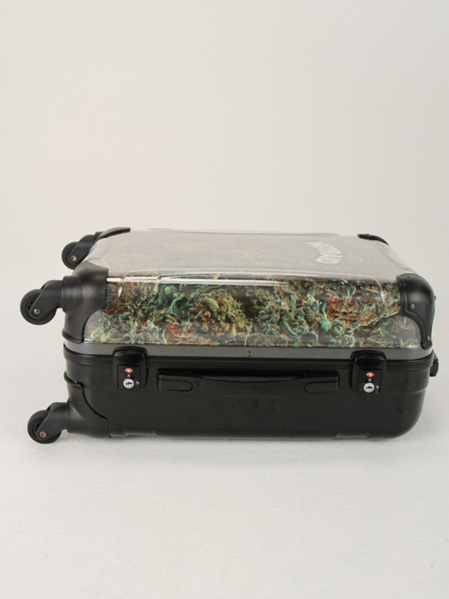 nitraid-dope-forest-luggage-05