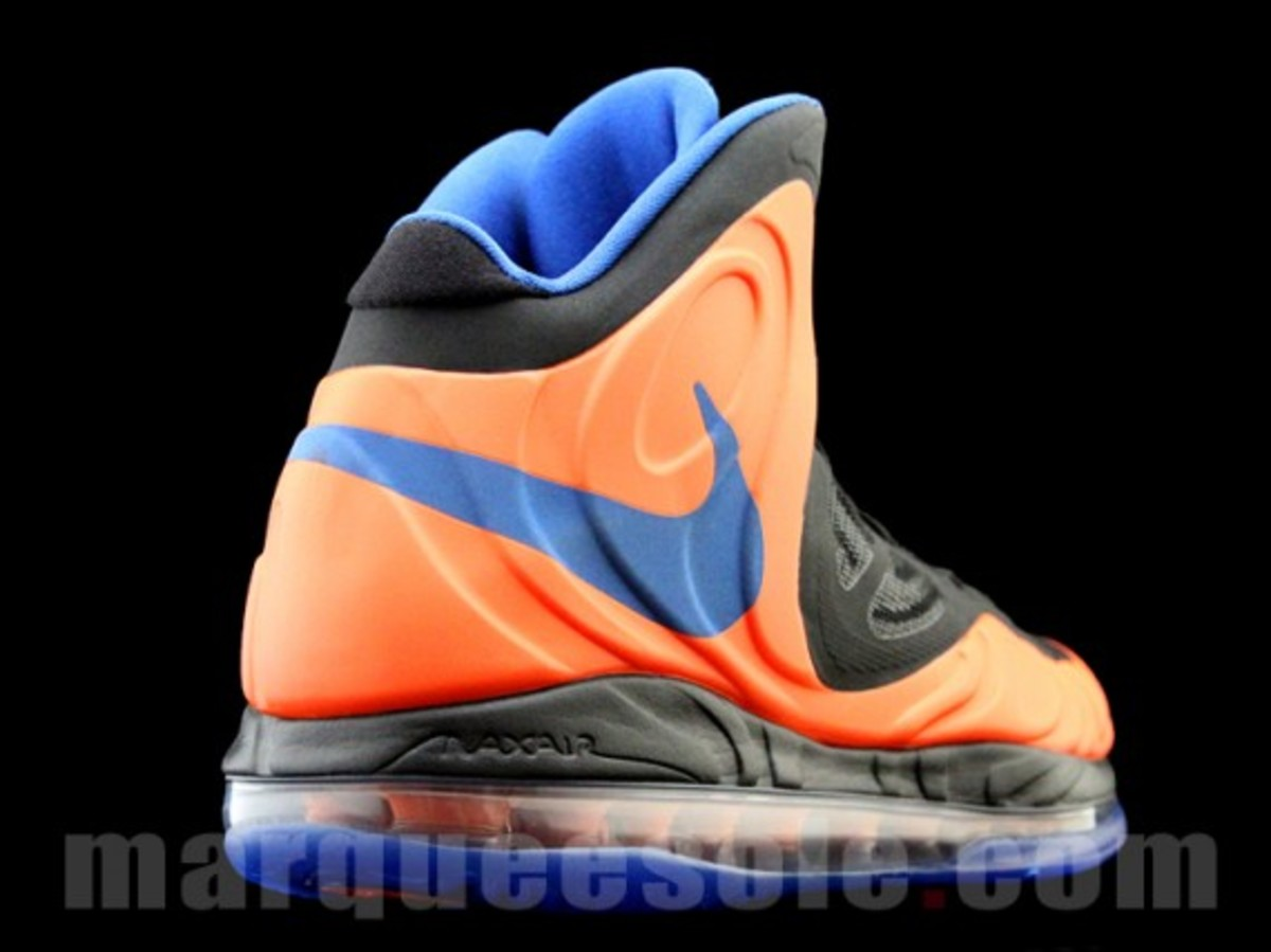nike-air-max-hyperposite-2012-new-york-knicks-003