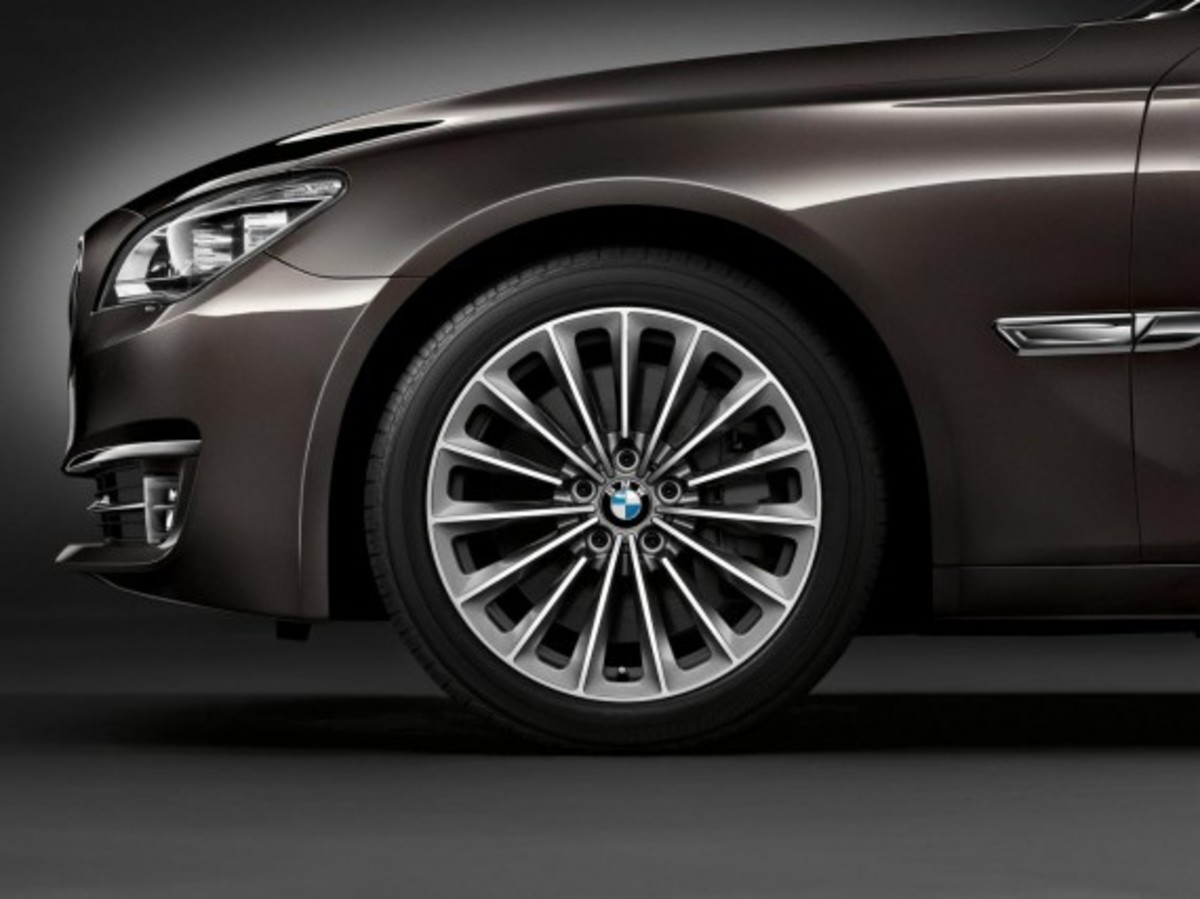 2013-bmw-760li-v12-25th-anniversary-edition-7