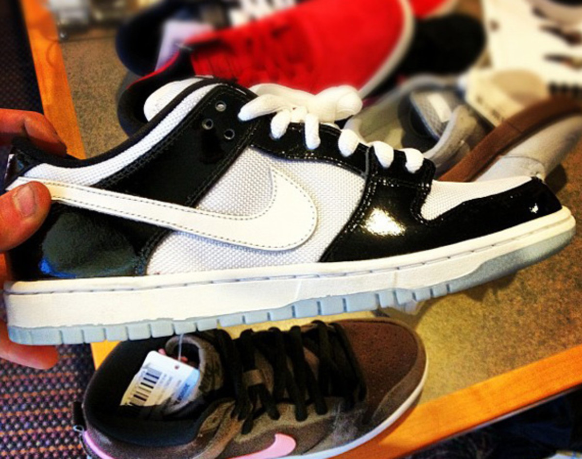 brooklyn-projects-nike-sb-dunk-low-air-jordan-XI-concord-01