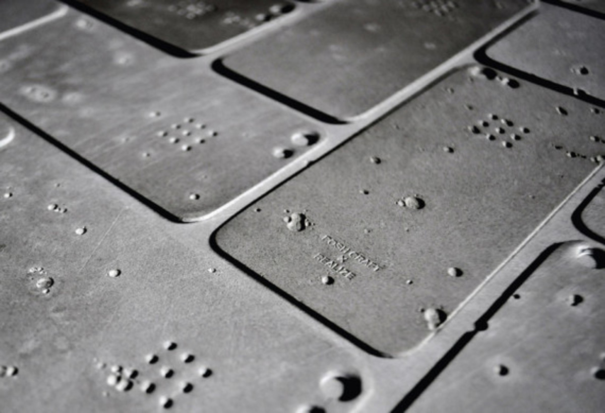 posh-projects-concrete-skin-for-iphone-5-d