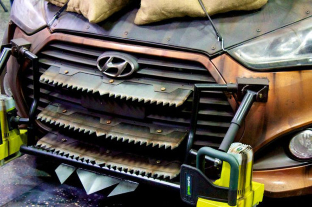 2013-hyundai-veloster-zombie-apocalypse-survival-vehicle-03