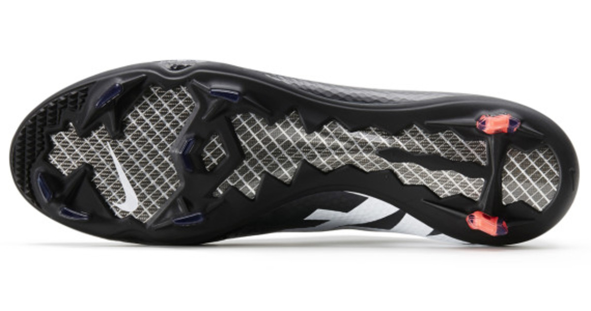 nike-soccer-black-boot-collection-13