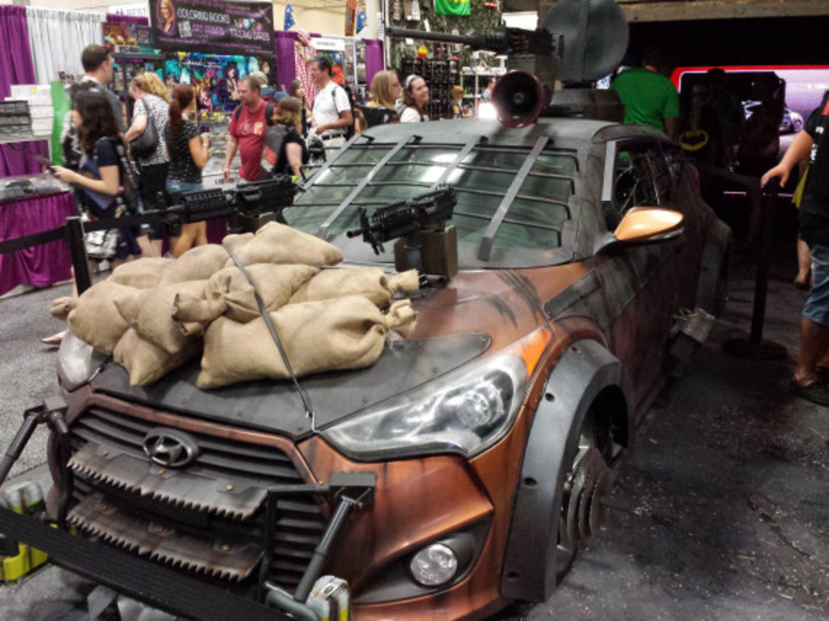 2013-hyundai-veloster-zombie-apocalypse-survival-vehicle-02