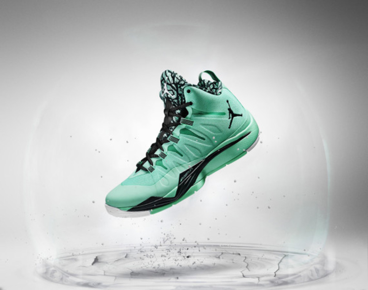 jordan-super-fly-2-officially-unveiled-with-blake-griffin-04