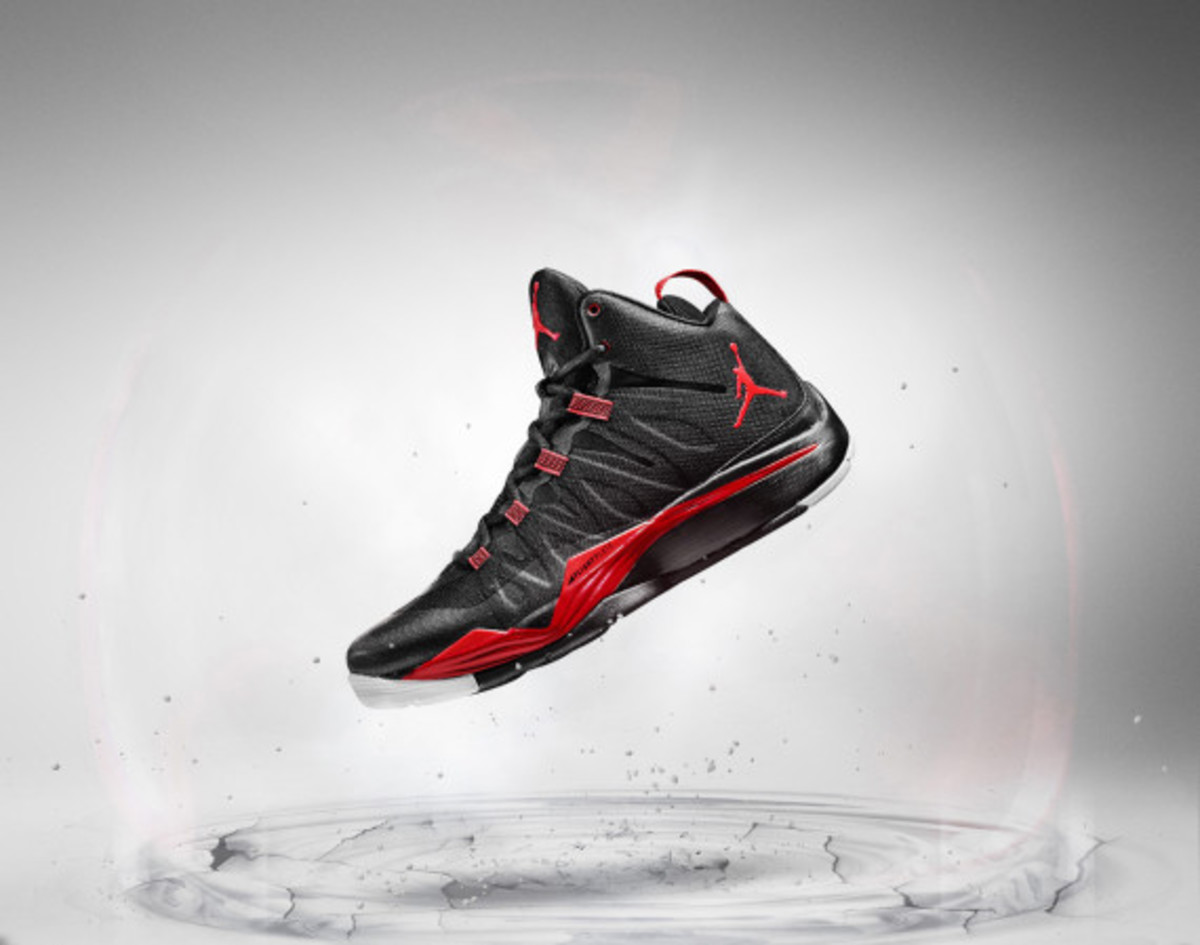 jordan-super-fly-2-officially-unveiled-with-blake-griffin-03