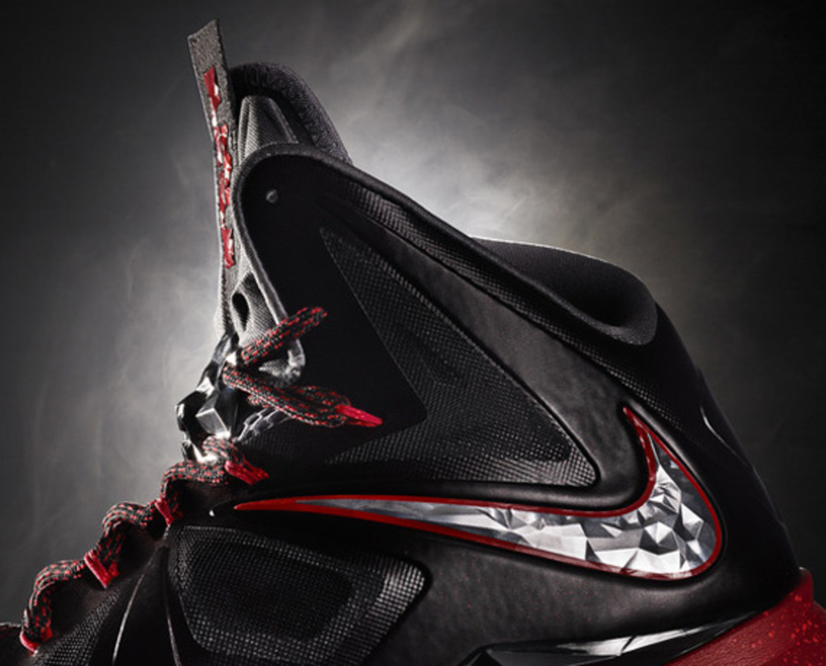 nike-lebron-x-october-2012-releases-01