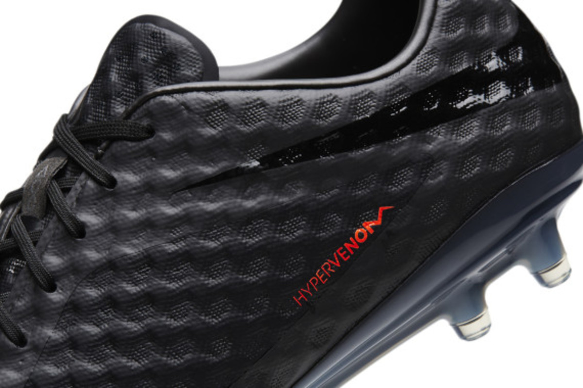 nike-soccer-black-boot-collection-08