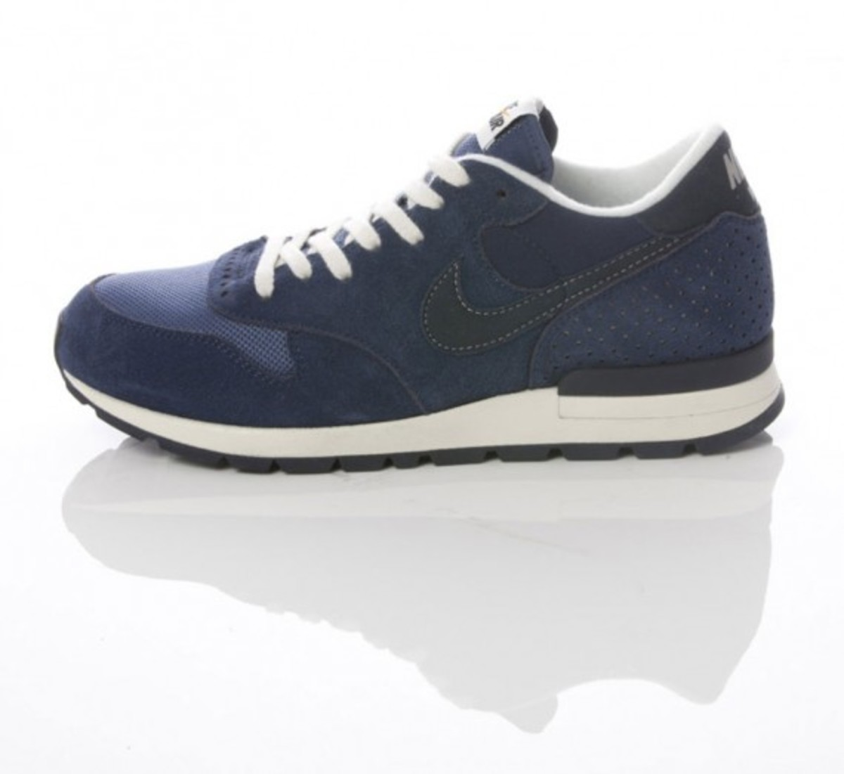 nike-sportswear-grey-navy-collection-10