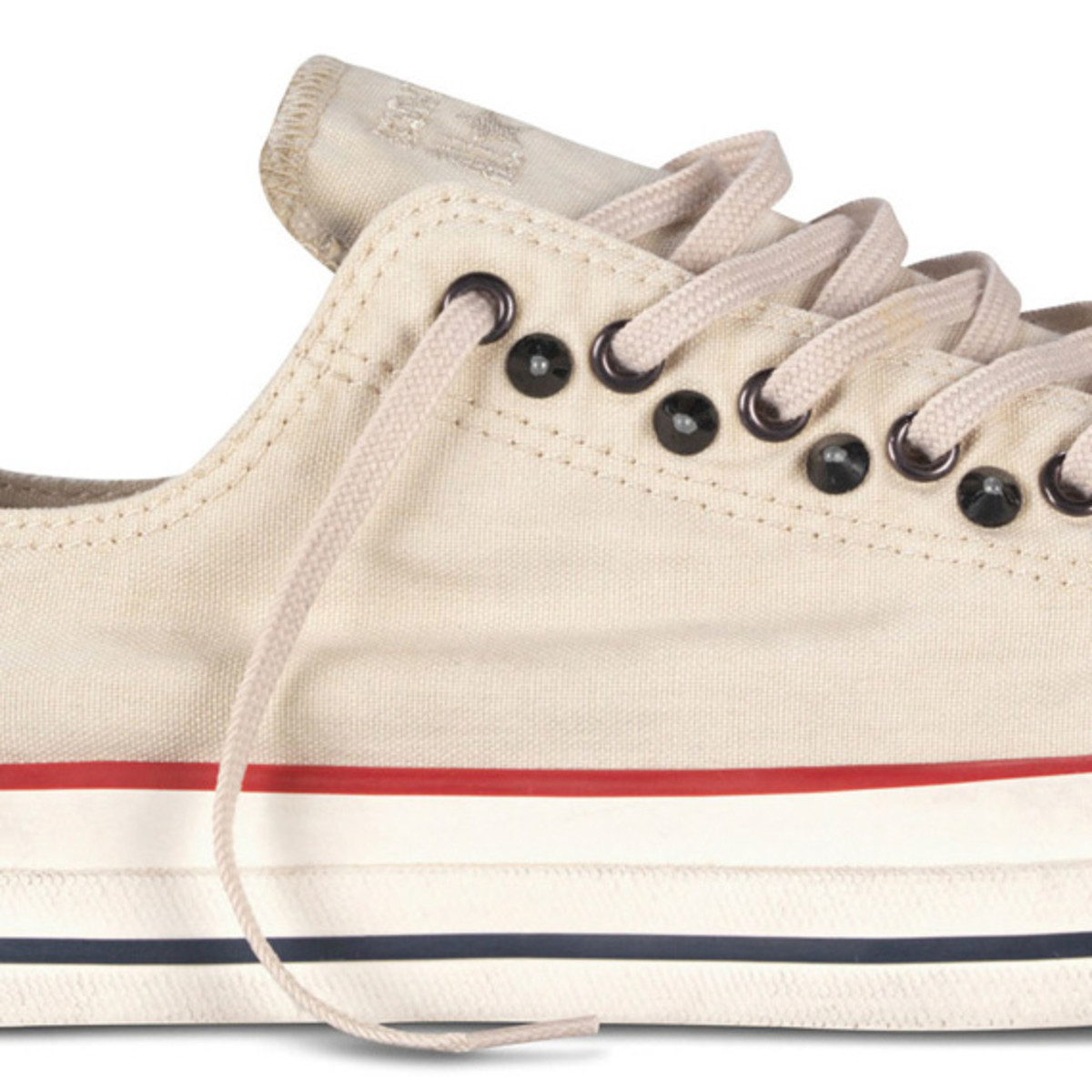 converse-chuck-taylor-all-star-collar-studs-fall-2013-collection-05