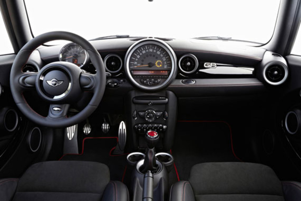 2013-mini-john-cooper-works-gp-17