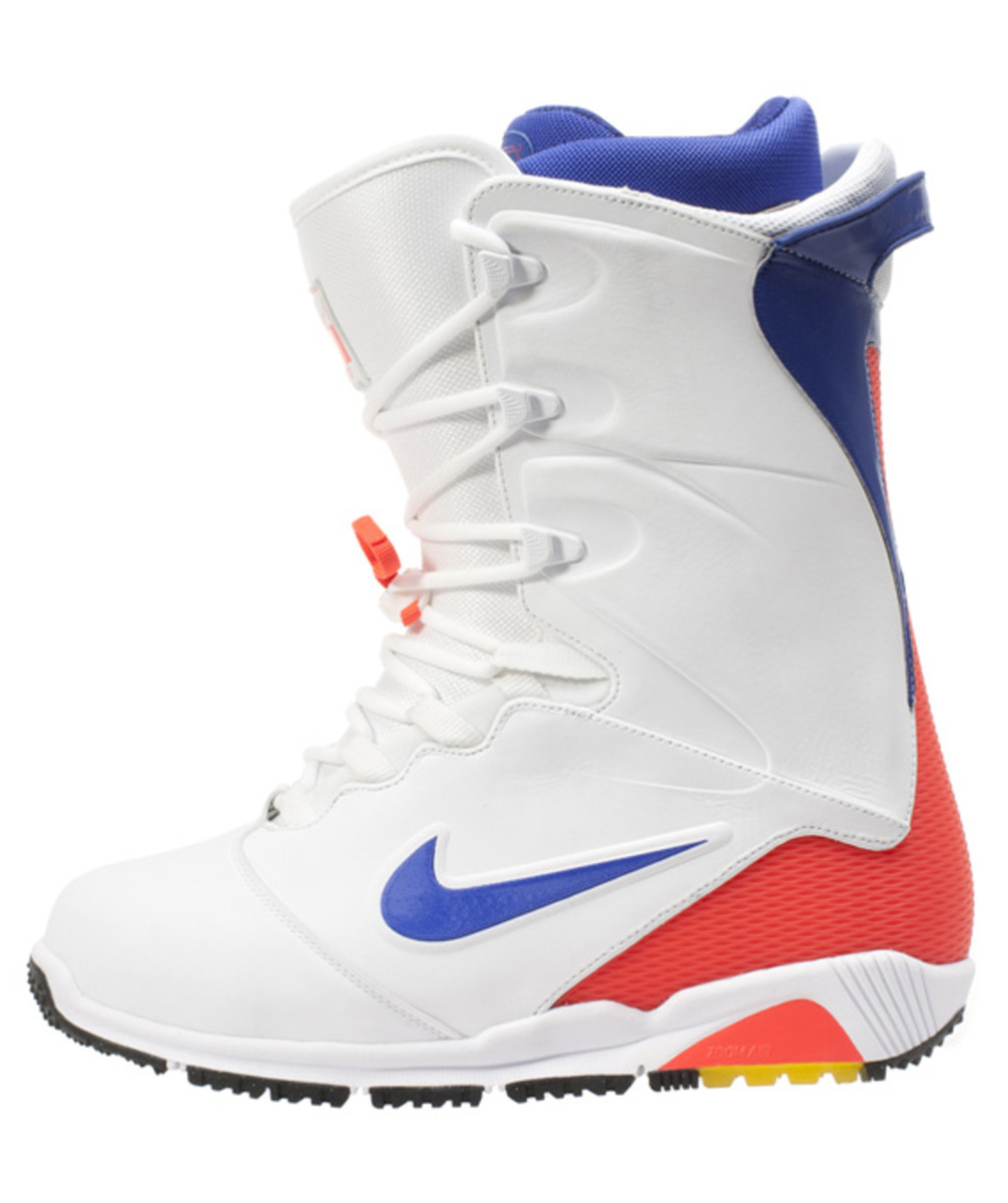 Nike-Snowboarding-Zoom-Ites-Boot-Inspired-Nike-Air-180-03