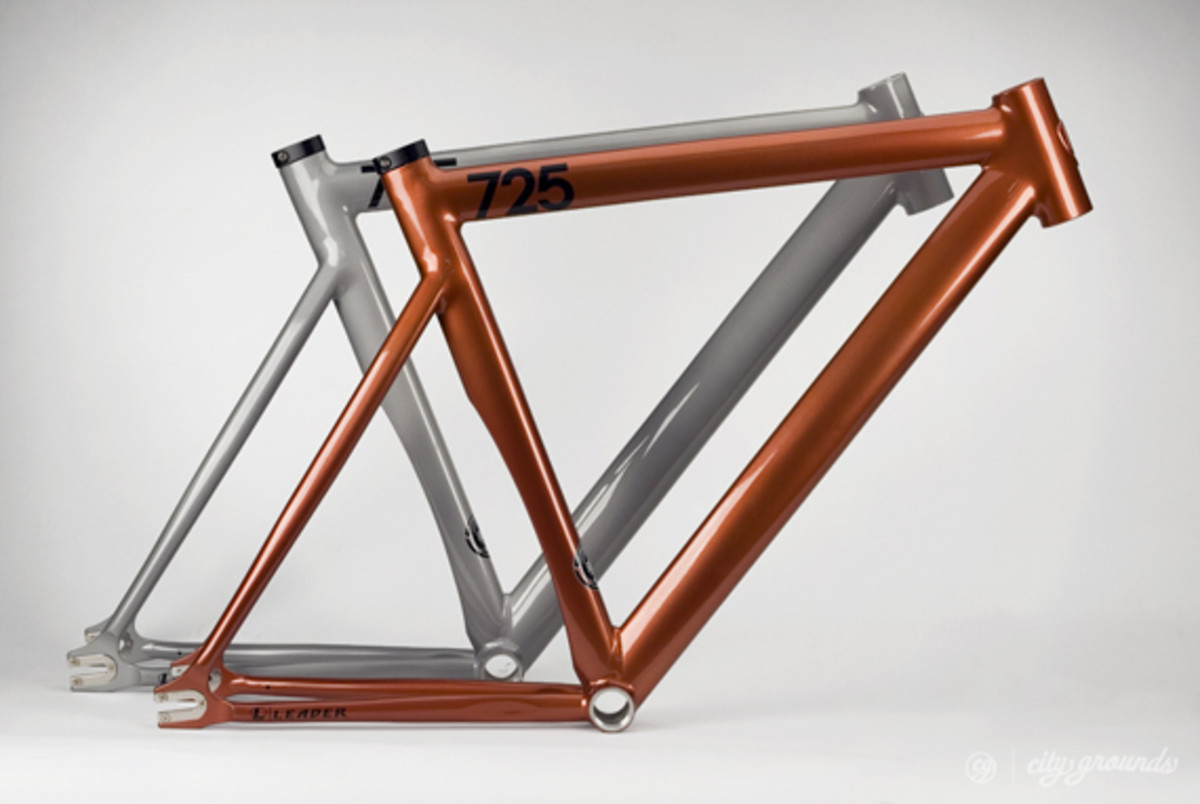 city-grounds-leader-2013-725-mid-ltd-fixed-gear-frame-01