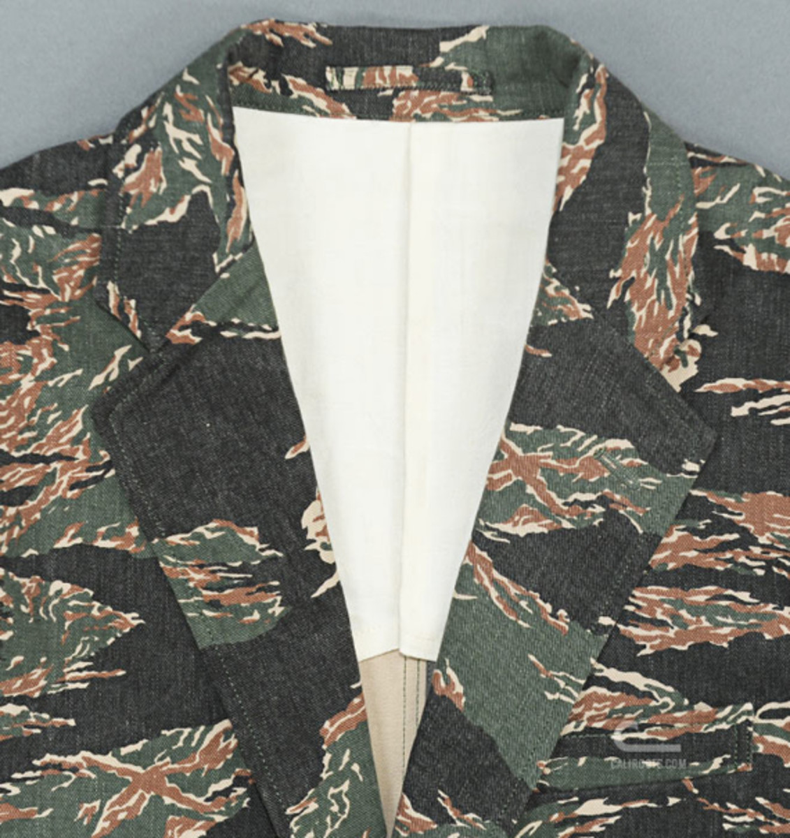 mr-bathing-ape-3-button-jacket-tiger-camouflage-05